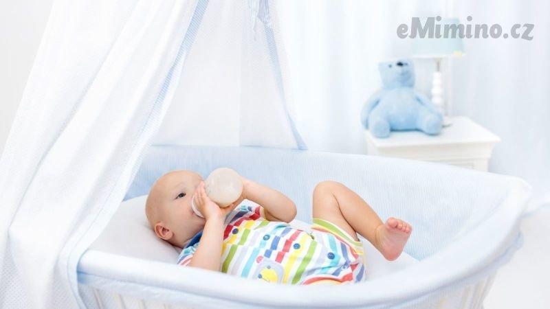 Pitný režim kojenců je důležitý. Na co si dát pozor? Zdroj: Canva