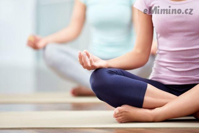 Ideální cvičení v těhotenství? Lehké procházky, plavání, jóga a speciální cvičení pro těhotné.