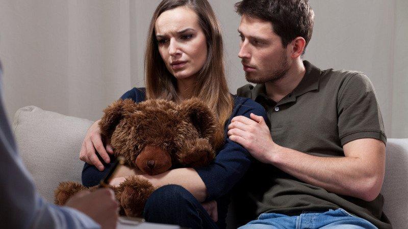 Neshody kvůli miminku mohou vést až k rozchodu. Zdroj: Canva.