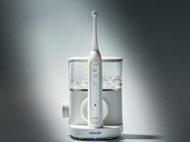 Sonický kartáček s ústní sprchou, čištění zubů v těhotenství.